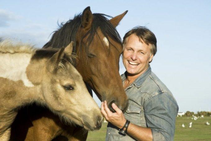 como-pueden-los-caballos-comunicarse-con-nosotros-696x466